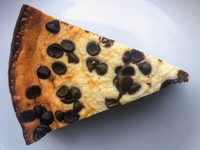 Low-Carb Chocolate Chip Cheesecake | With Keto Cookie Crust