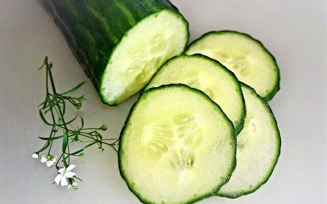 Are Cucumbers Keto? Carbs In Cucumbers